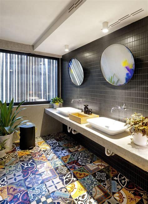 Two Way Mirror Bathroom by 5 Bathroom Mirror Ideas For A Vanity