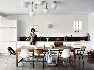 Salle A Manger Tendance : salle manger chaises d pareill es leading ~ Teatrodelosmanantiales.com Idées de Décoration