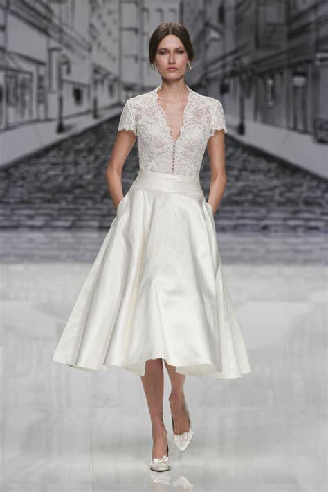 Scegli il tuo abito da sposa alle presentazioni in anteprima. Abiti da sposa invernali: le tendenze del 2017 - Magazine delle donne