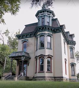 The Victorian Mansion That's Been Left To Decay In America ...