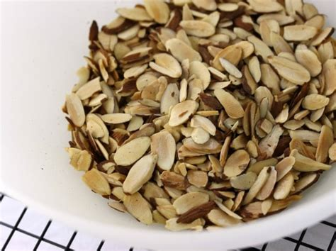 how to toast almonds how to toast almond slices eat healthy eat happy