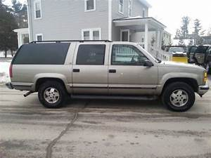 Purchase Used 99 Gmc Suburban 4x4 Extremely Clean In Derry