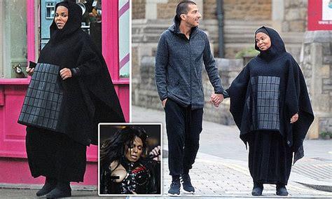 Pregnant Janet Jackson enjoys London amble with husband ...