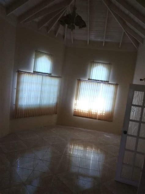 bedrooms  bathrooms  sale  helshire cavehill estate st catherine houses