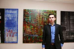 Krāsu trakums uz jaunības fona - Pavļučenko gleznu šovs ...