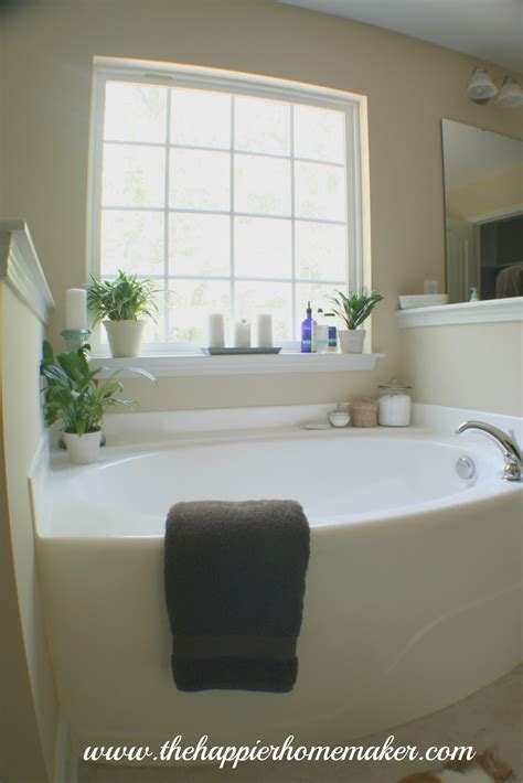 decorating around bathtub on bathtub decor