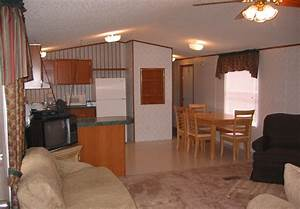 Simple tricks to manage interior for small mobile homes for Interior decorating a mobile home