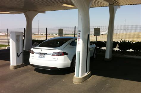 tesla model s charging 2013 tesla model s charging station photo 4