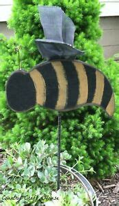 Country Primitive Large Bumble Bee Garden Yard Stake