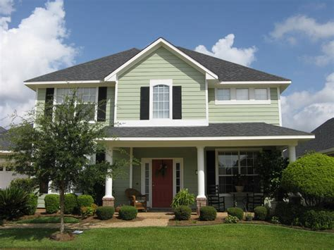 house exterior colors a little quot happy quot home exterior facelift