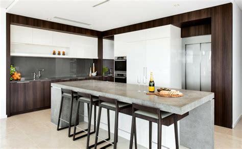 tapis plan de travail cuisine béton ciré pour plan de travail de cuisine 25 idées modernes