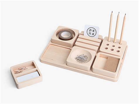 accessoire pour bureau tofu un accessoire pour ranger votre bureau par pana