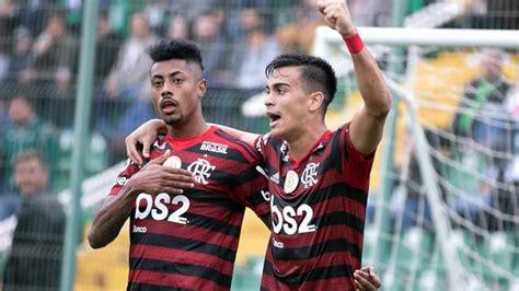 Com gol de Bruno Henrique, líder Flamengo bate lanterna ...