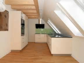weisse kueche mit kochinsel küchen welcome home immobilien