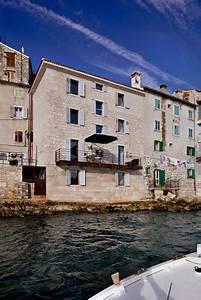 Renovation, Of, An, 18th, Century, Building, In, Rovinj, Croatia