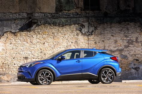 2019 Toyota Chr Gets New Base Trim And Pricing Starts