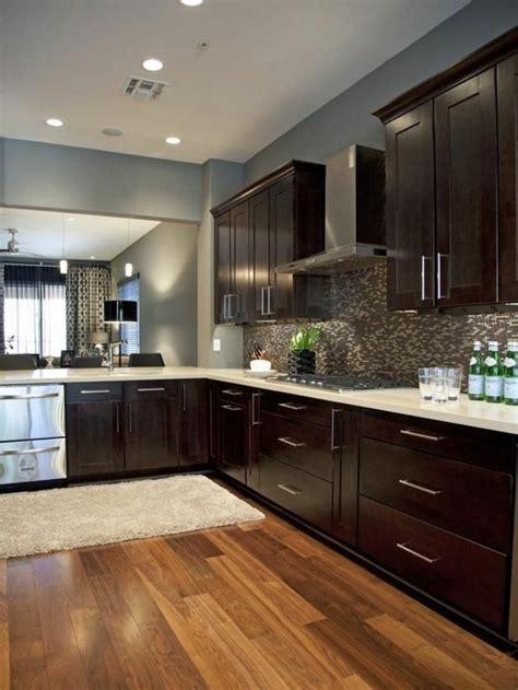 repeindre les meubles de cuisine comment repeindre une cuisine idées en photos