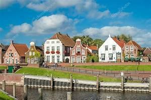 Häuser In Deutschland : historische h user in greetsiel deutschland redaktionelles stockfoto tasfoto 83981332 ~ Eleganceandgraceweddings.com Haus und Dekorationen