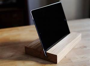 Ipad Halter Holz : 15 creative handmade iphone and ipad stands style motivation ~ Markanthonyermac.com Haus und Dekorationen