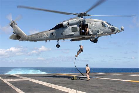 File:US Navy 070720-N-5928K-007 Explosive ordnance ...
