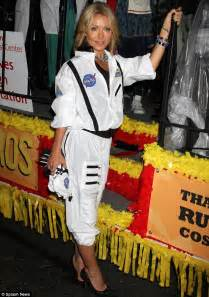 Kelly Ripa Halloween by Kelly Ripa Is A Very Glamorous Astronaut Complete With