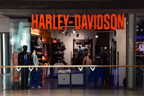 harley davidson shop harley davidson plans to open brand stores in india team bhp