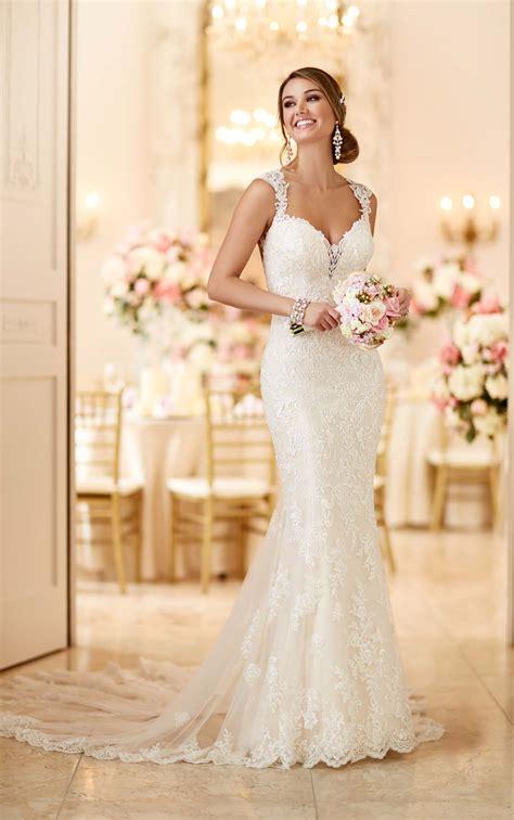 romantic lace wedding dress  stella york wedding dresses