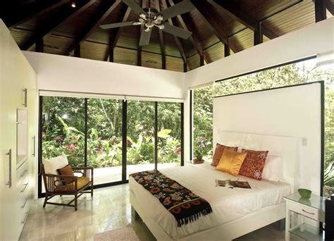 House Decor : Beautiful Tropical House Design And Ideas
