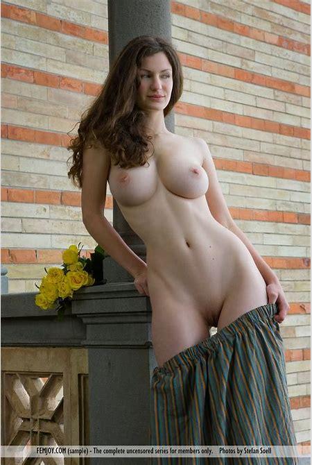 Euro Babes DB » Naked German Lady