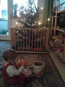 Wann Stellt Man Weihnachtsbaum Auf : weihnachtsbaum und krabbelkind im haushalt frag mutti ~ Buech-reservation.com Haus und Dekorationen