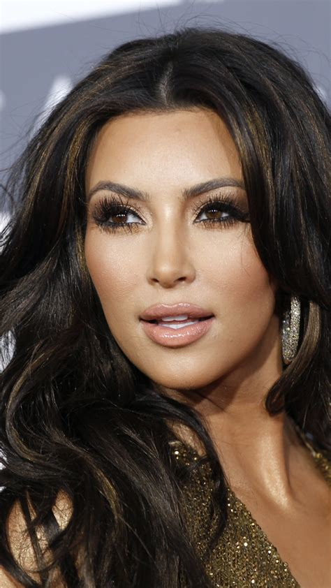 Wallpaper Kim Kardashian Paper, Most Popular Celebs in ...