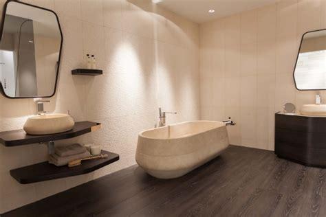 sol stratifie salle de bain parquet salle de bains stratifi 233 en 24 photos inspirantes