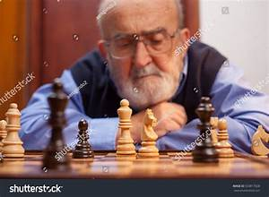 Old Man Playing Chess Stock Photo 533817928 - Shutterstock