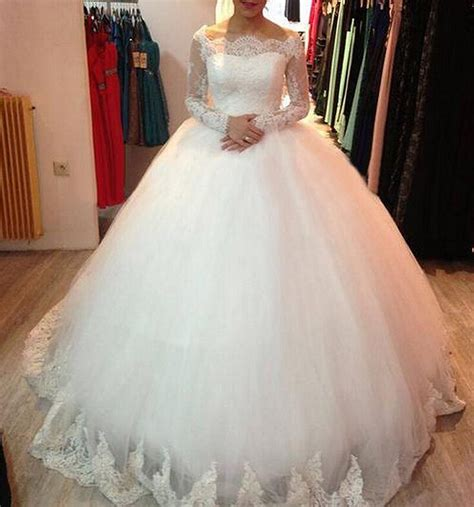 long sleeve puffy wedding dress lace applique elegant