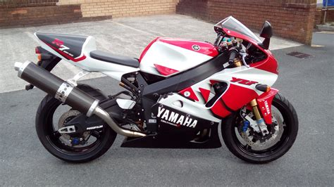 Yamaha R7 by 1999 Yamaha Yzf R7 Pics Specs And Information