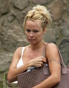 Pamela Anderson X : pamela anderson in pamela anderson shopping for groceries zimbio ~ Medecine-chirurgie-esthetiques.com Avis de Voitures