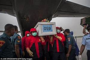AirAsia crash dead trapped on Java seabed | Daily Mail Online