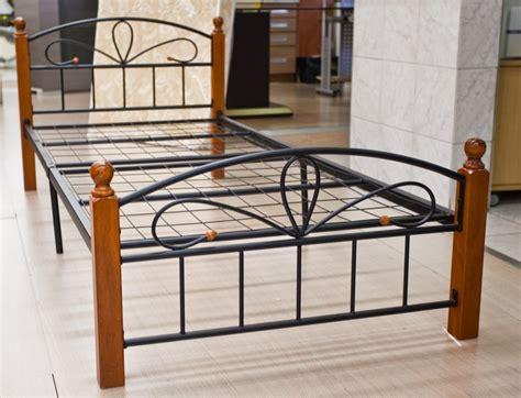 grossiste ustensiles de cuisine lit 90x190 avec sommier bois et métal destockage grossiste