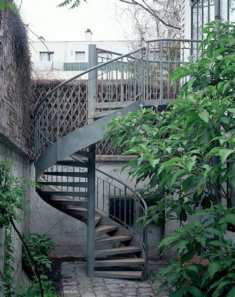 re escalier exterieur fer forge dh11 spir d 201 co 174 caisson escalier ext 233 rieur m 233 tallique h 233 lico 239 dal avec re en fer forg 233 au