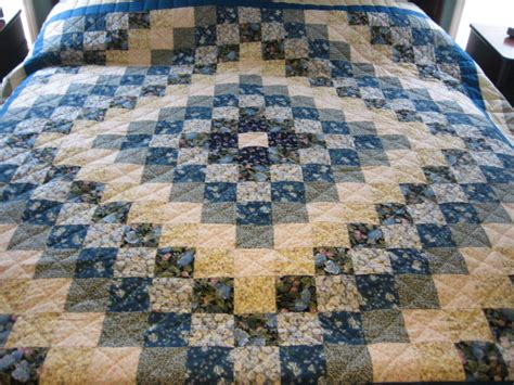 trip around the world quilt pattern 3 modern amish quilt designs and appreciating