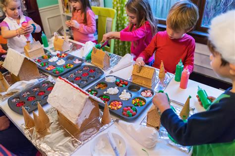 ideas   fun gingerbread decorating party