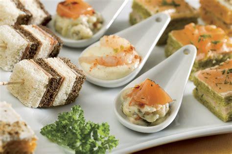 canapé apero dinatoire comment préparer un bon repas pour votre évènement en