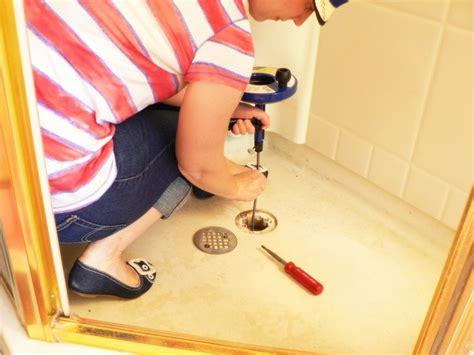 verstopftes waschbecken behindertengerechte badewanne