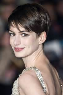 coupe de cheveux femme courte coiffure femme courte osez la découvrez notre sélection photos