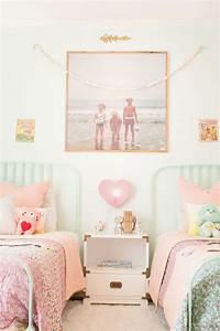 Decoration Chambre D Enfant : chambre d 39 enfant avec des photos vintage ~ Teatrodelosmanantiales.com Idées de Décoration