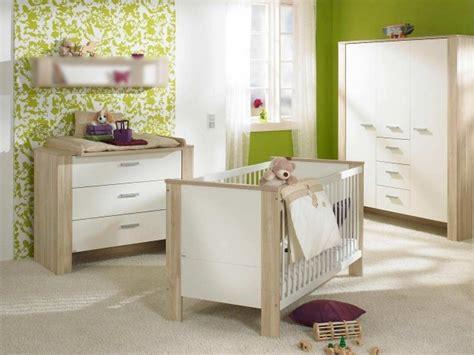 chambre bébé bois chambre bébé fille en nuances de vert inspirantes