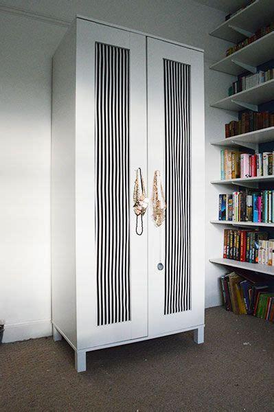 Textil Kleiderschrank Ikea by Diy Upcycling An Ikea Wardrobe With Fabric Oh Hi Diy
