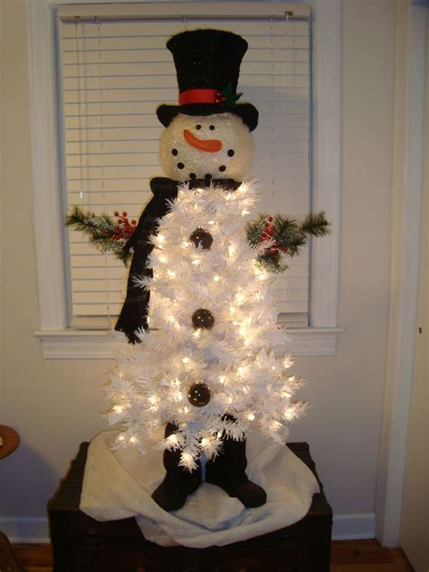 christmas tree decorated with snowmen snowman tree snowman