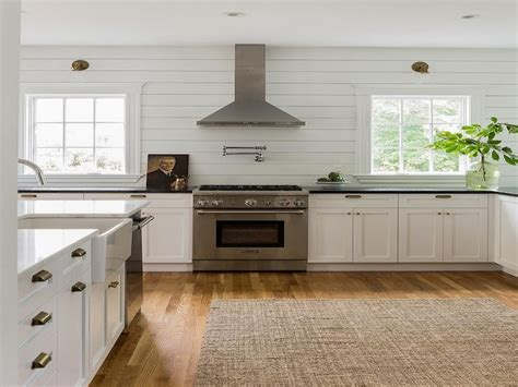 Kitchen With Horizontal Shiplap Backsplash Cottage Ideas
