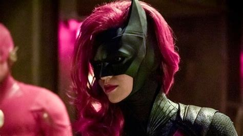 batwoman cw  pilot pickup  game  thrones director